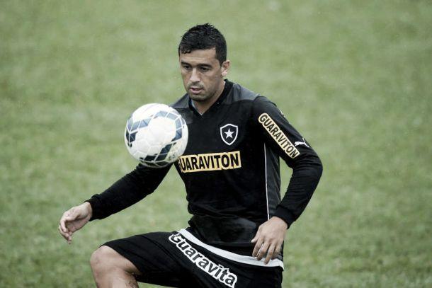 Edílson parabeniza elenco pelo empenho demonstrado na partida contra o Corinthians
