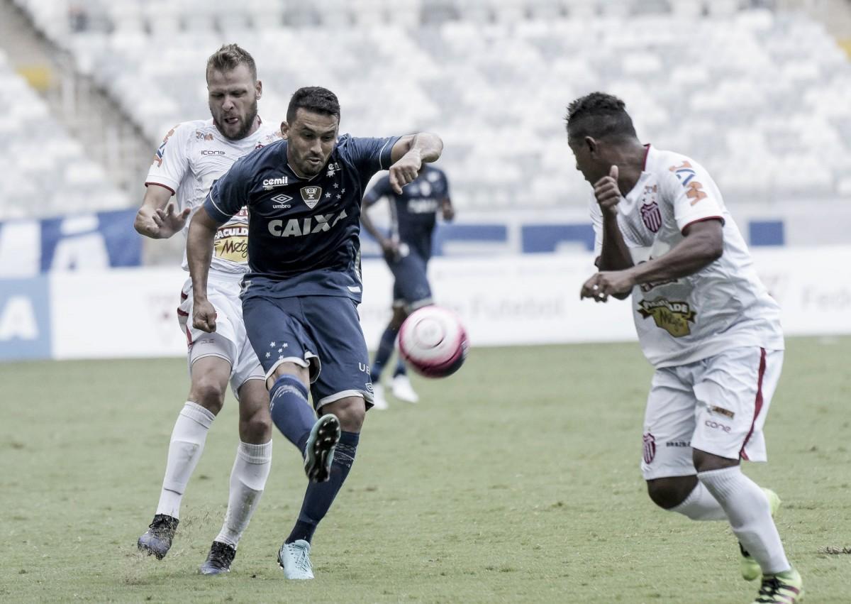 Em reapresentação do Cruzeiro após derrota para Atlético, Edílson e David treinam normalmente