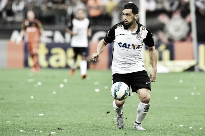 """Lateral Edilson comemora retorno ao Grêmio: """"Chego com uma felicidade enorme"""""""