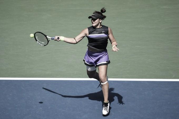 Andreescu vira contra Mertens, avança às semis do US Open e garante entrada no top dez