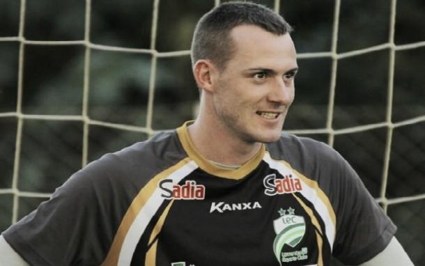Santa Cruz oficializa contratação de goleiro Edson Kolln, ex-Luverdense
