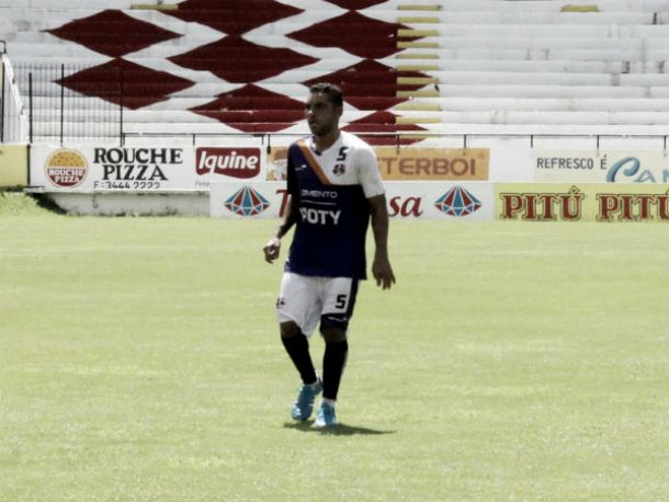 Edson Sitta exalta companheiros e mostra confiança em vitória do Santa Cruz ante Paraná