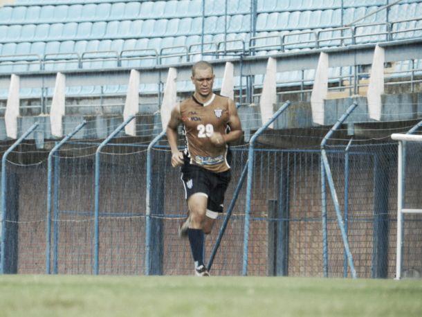 Eduardo Costa registra boletim de ocorrência contra Argel alegando ter sido chamado de macaco