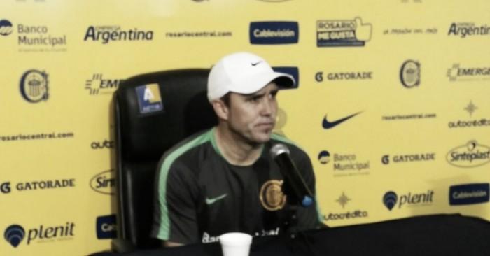 """Coudet: """"El que juega con Olimpo no está fuera de Belgrano"""""""