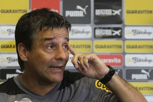 Após empate, Húngaro admite que time ainda não está 100% entrosado