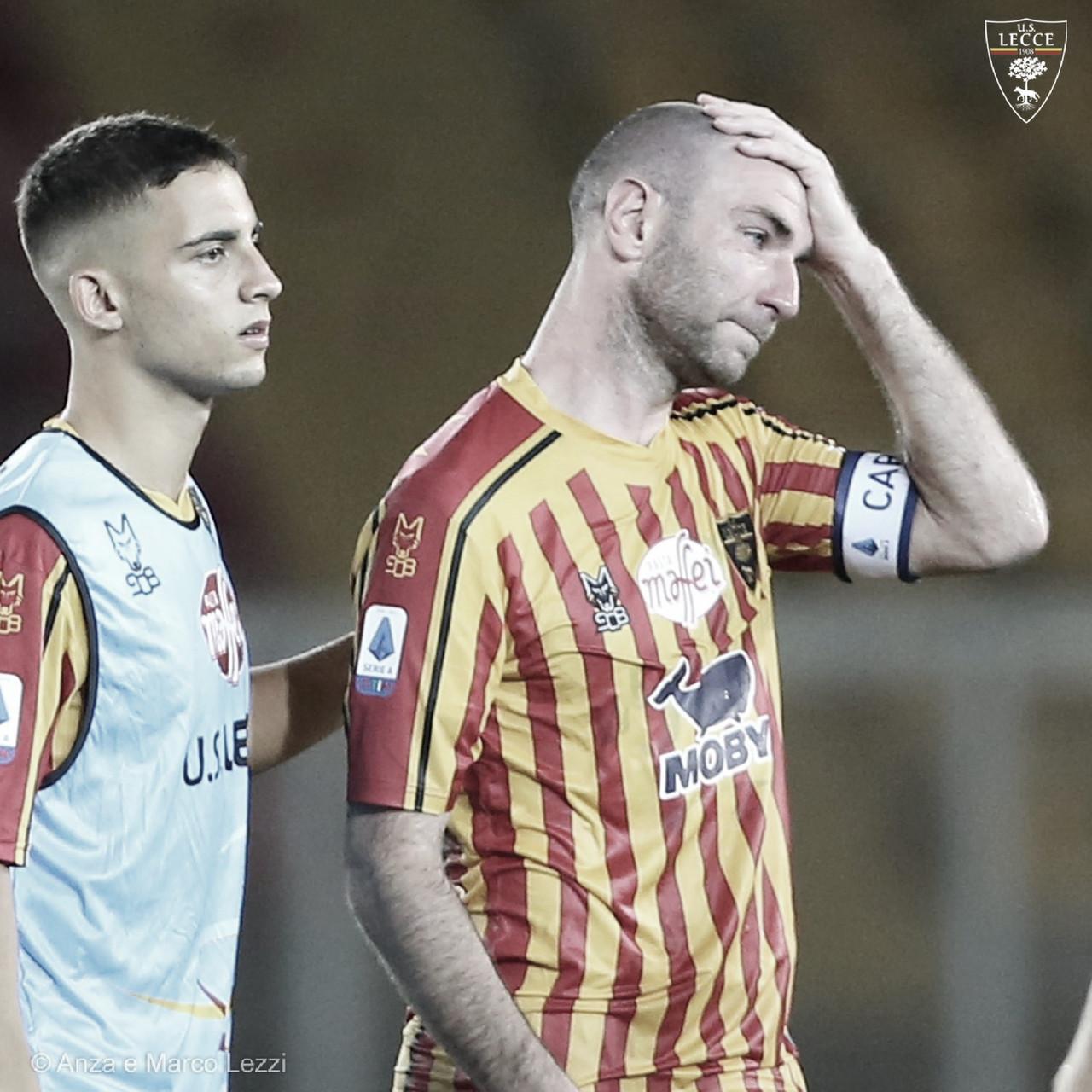 Lecce é rebaixado após derrota em jogo movimentado contra Parma