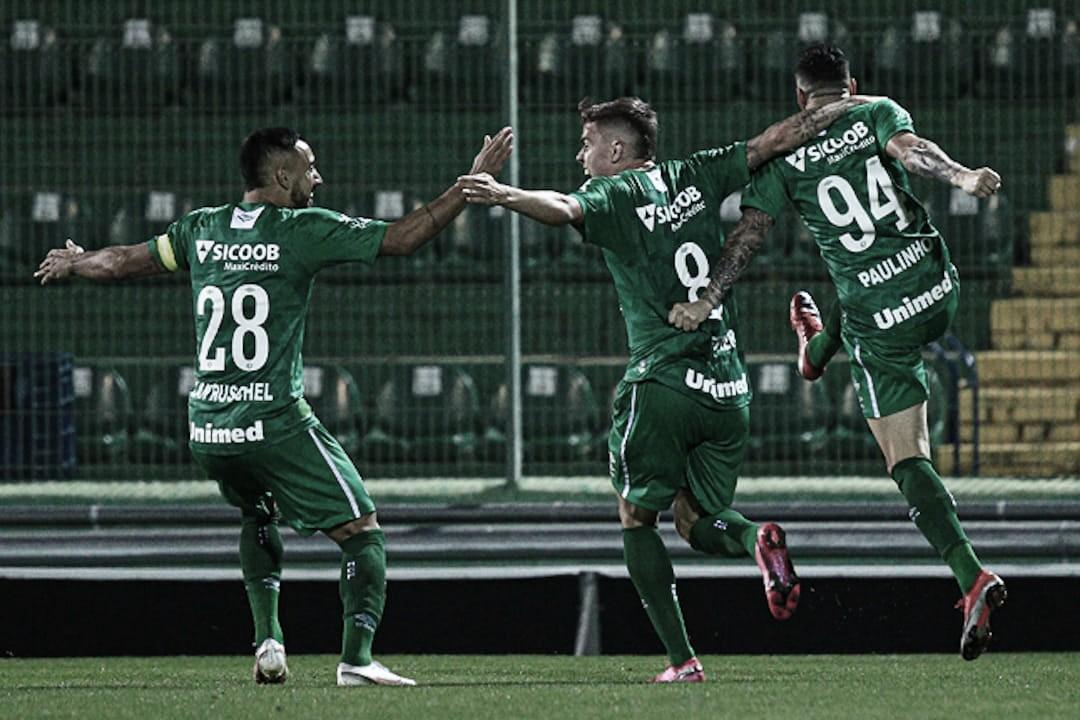 Chapecoense vence Criciúma e sai em vantagem na semifinal do Catarinense