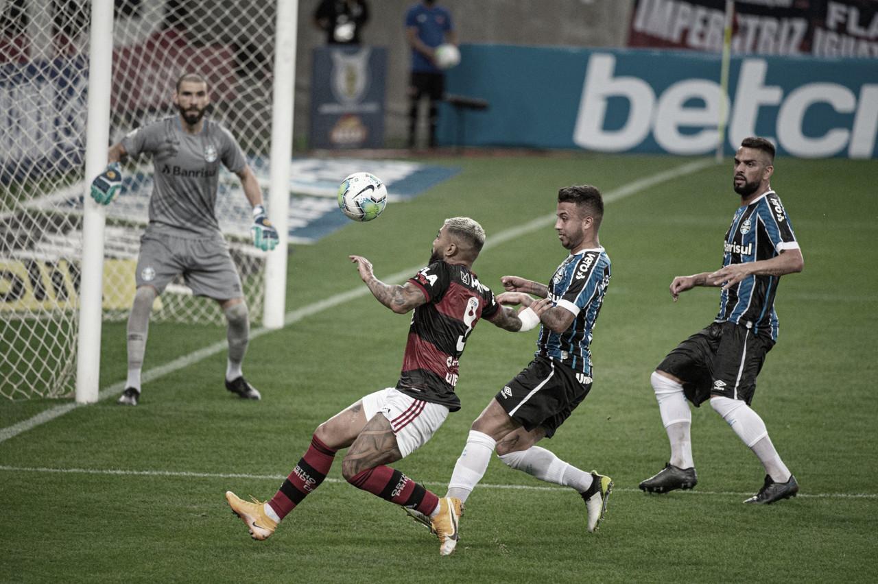 Flamengo e Grêmio fazem jogo de poucas finalizações, e visitante é punido por postura defensiva