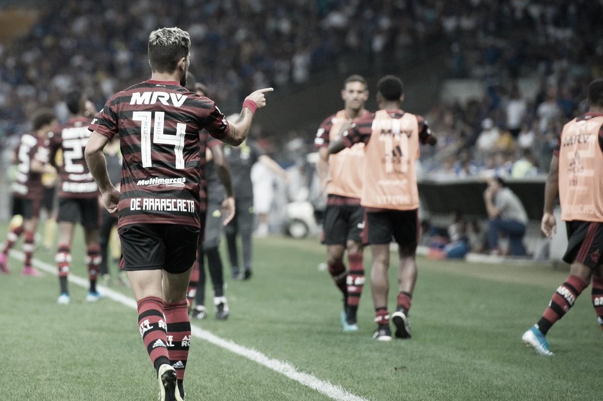 Arrascaeta faz valer lei do ex e Flamengo vence Cruzeiro no Mineirão