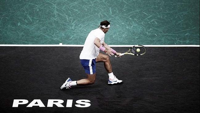 Nadal y Djokovic tuvieron que esforzarse para meterse en los octavos de final de París Bercy