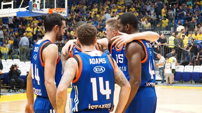 Turkish Airlines EuroLeague - Vittorie esterne per Efes e Zalgiris, cadono Maccabi e Malaga