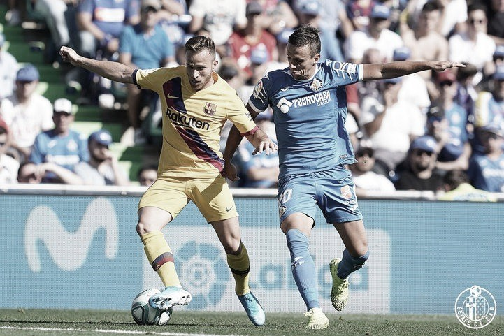 Maksimovic y Arthur durante el duelo del año pasado entre Getafe y FC Barcelona / Fuente: Getafe CF