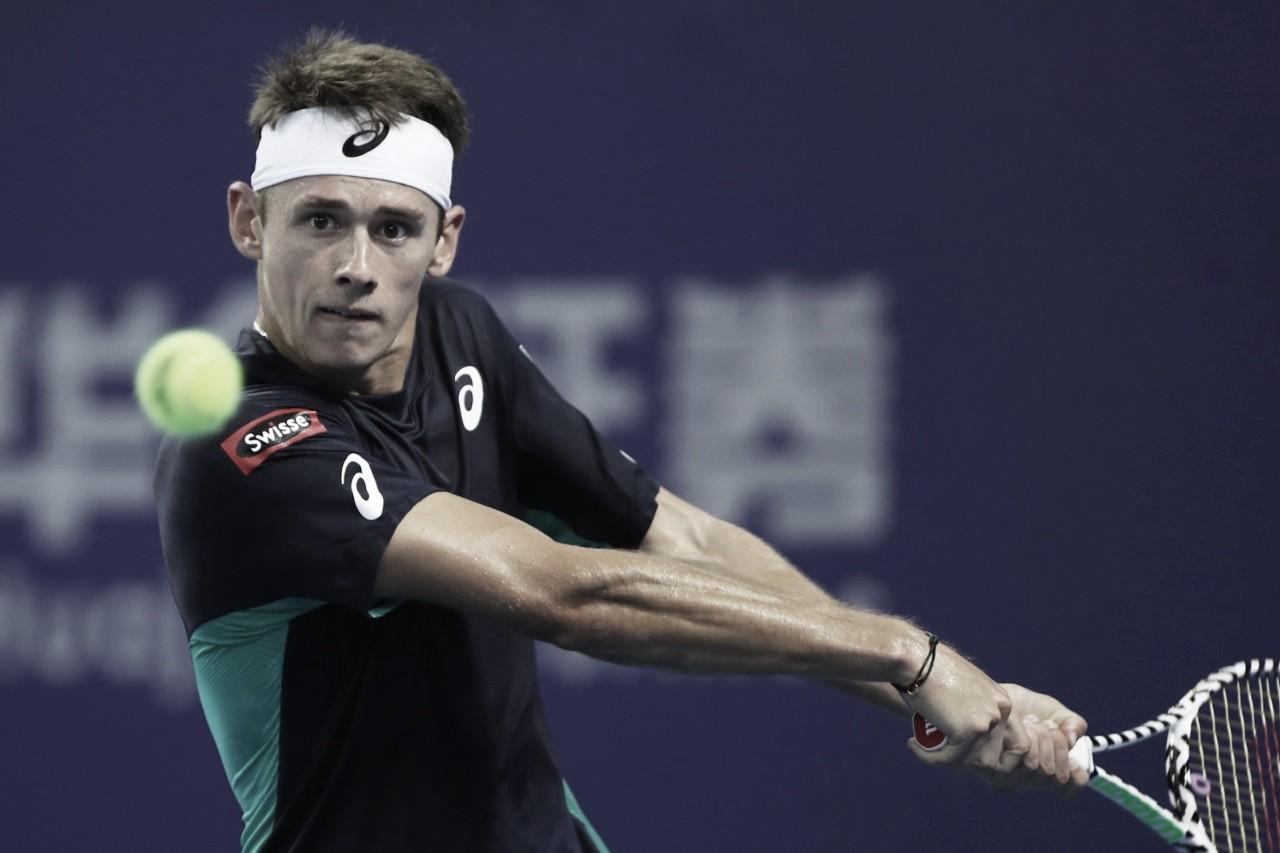 Dominante, de Minaur atropela Bautista Agut e avança à decisão do ATP 250 de Zhuhai
