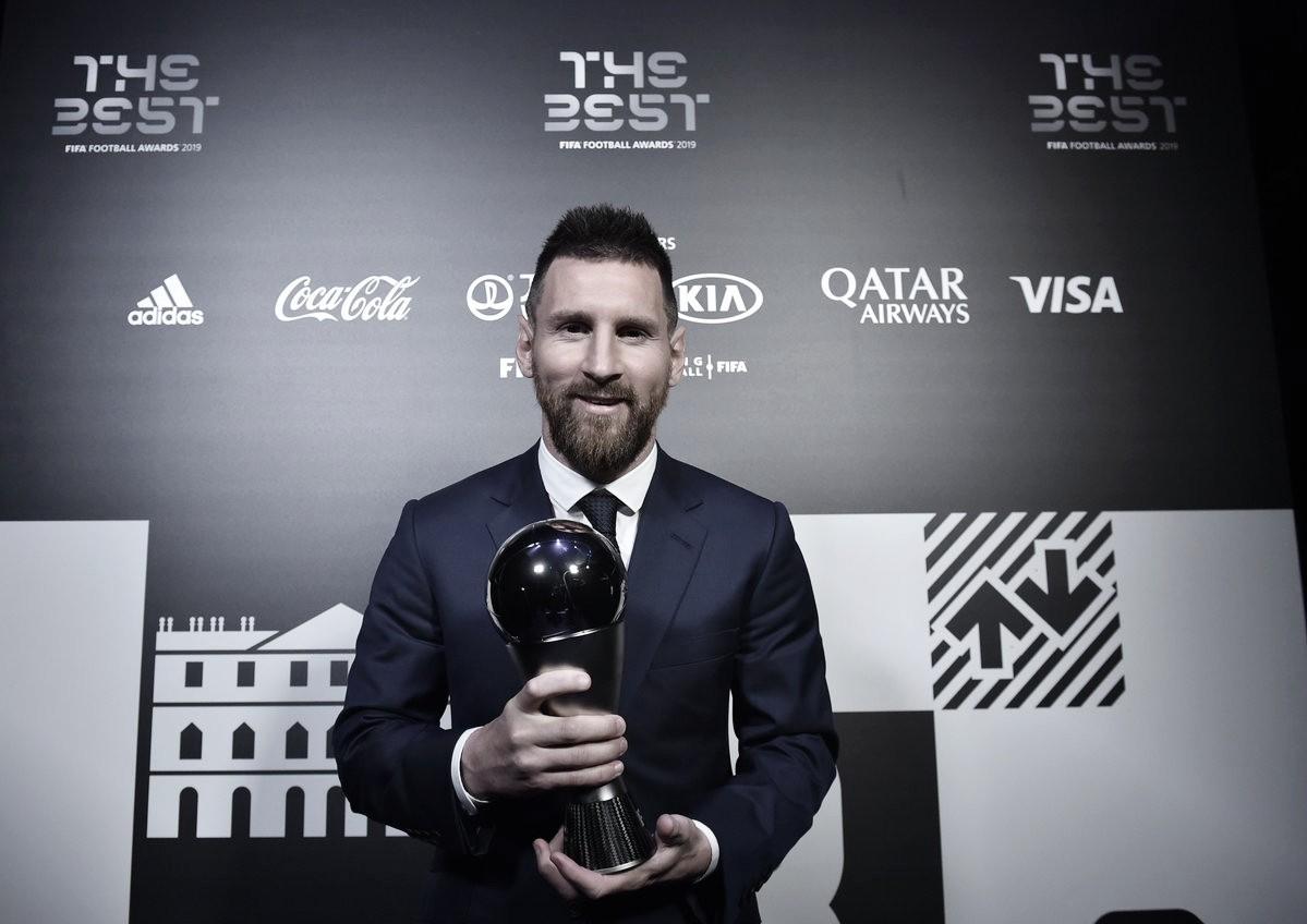 Messi é eleito o melhor jogador do mundo pela sexta vez;Alissoncomo goleiro