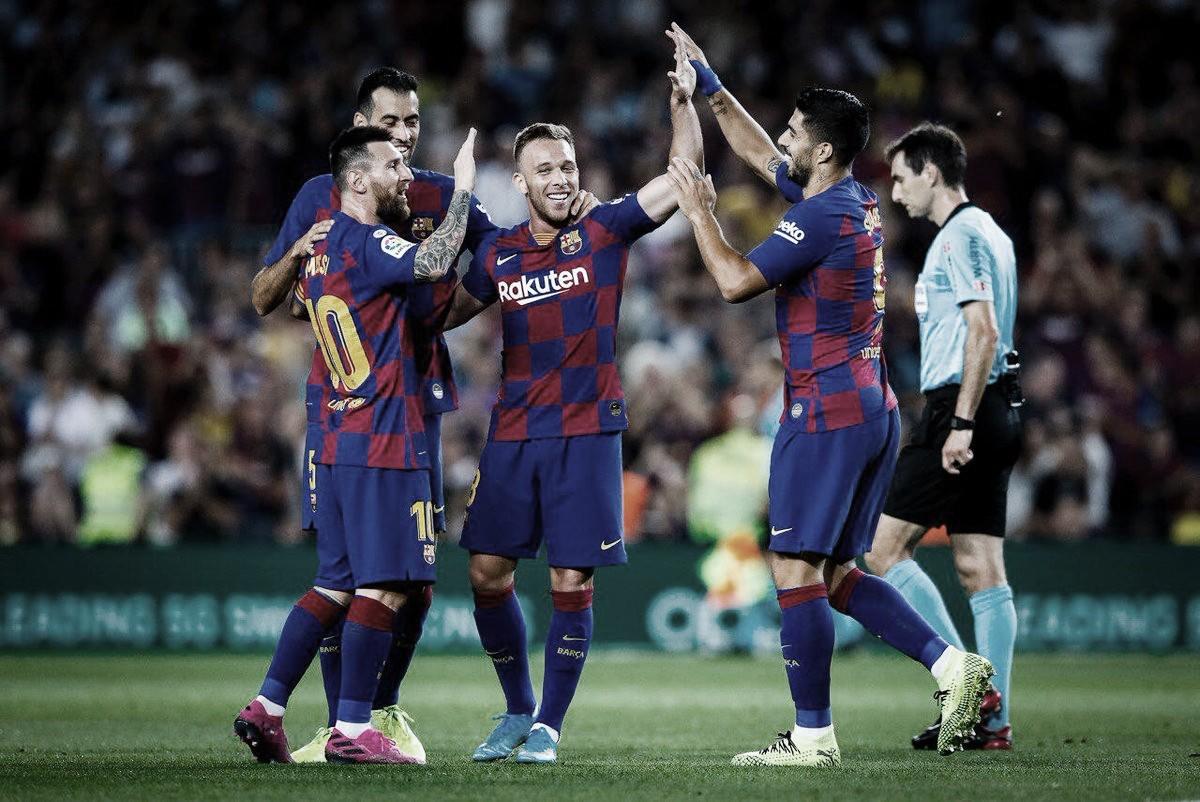 Com golaço de Arthur, Barcelona derrota Villarreal em casa