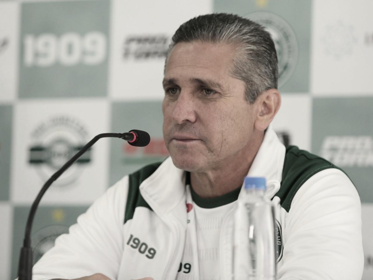 Jorginho admite jogo ruim contra Sport, cita desgaste da Coritiba e critica calendário da Série B