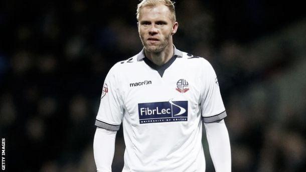 Bolton forward Gudjohnsen departs for China