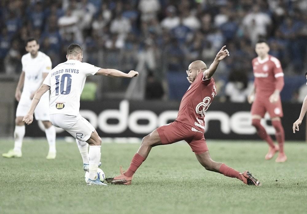 Cruzeiro e Internacional empatam com direito a pênalti polêmico