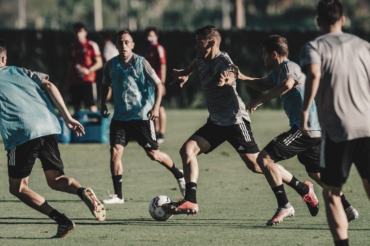 Doble sesión de entrenamiento en el Marbella Football Center