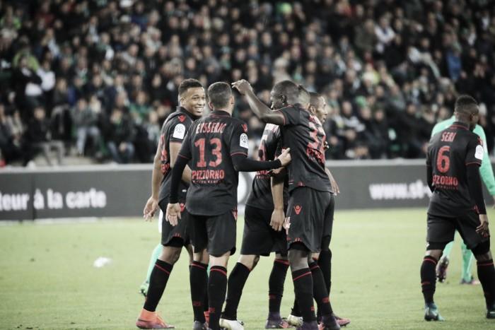 Sem Balotelli, Nice derrota Saint-Étienne fora de casa e retoma liderança da Ligue 1