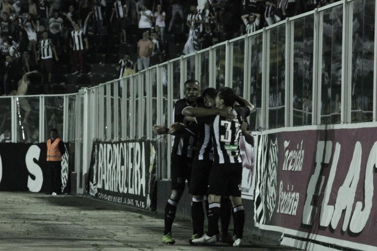 Figueirense derrota América-MG e acaba com jejum de vitórias na Série B