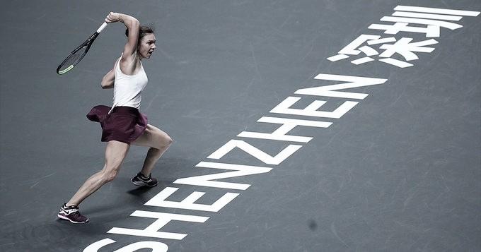 Halep salva match point e busca grande vitória contra Andreescu no WTA Finals