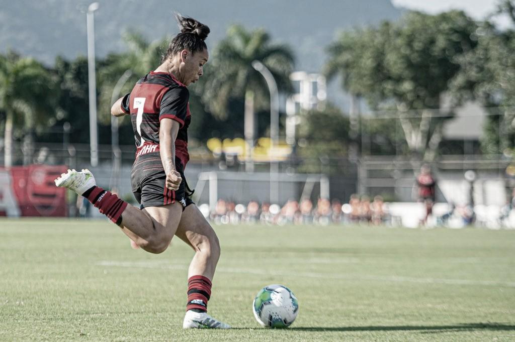 Cruzeiro marca no último minuto e empata com Flamengo no Brasileirão Feminino