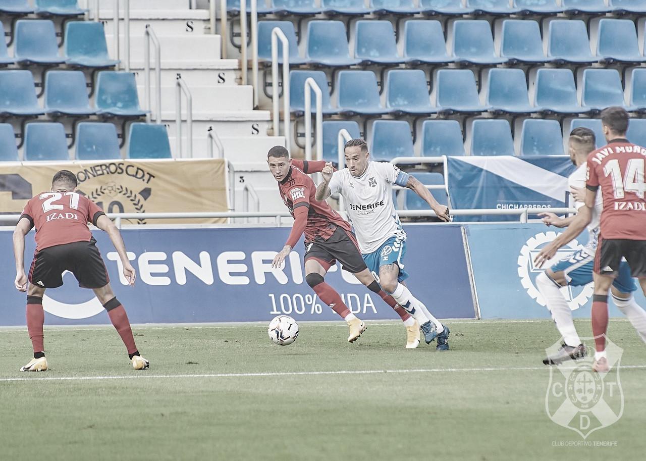 El Tenerife regala la victoria (1-2)