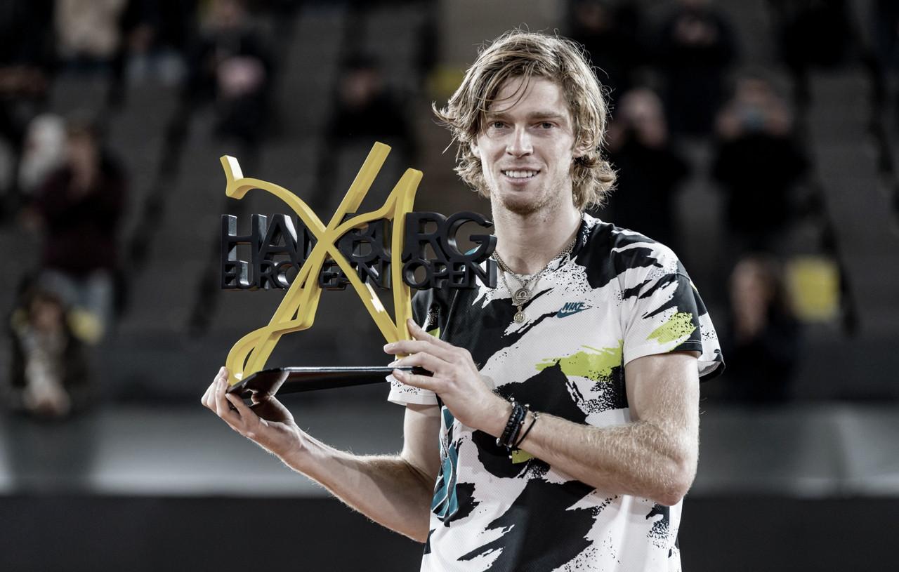 Rublev derrota Tsitsipas e é campeão do ATP 500 de Hamburgo