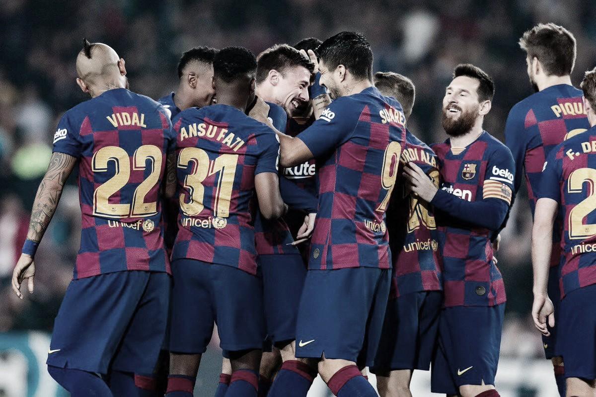 Messi dá show, Barcelona goleiaValladolid e assume liderança do Espanhol