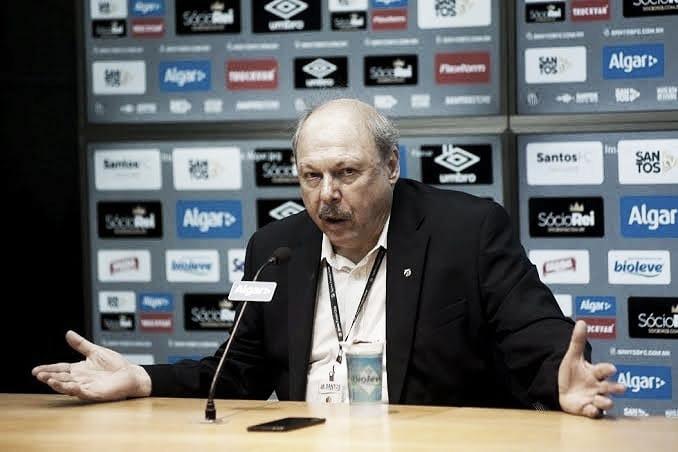 Peres diz que demitiu Jesualdo 'por ser do grupo de risco' e não descarta vender Soteldo e Marinho