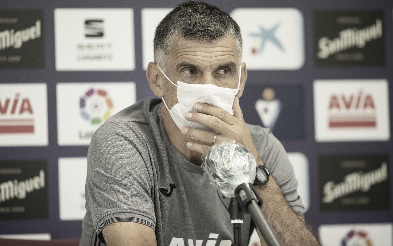 """José Luis Mendilibar: """"Nuestra idea siempre ha sido jugar por fuera, buscar centros y llegar"""""""
