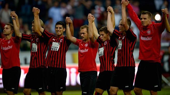 El Eintracht gana a domicilio, el Mainz 05 hace lo propio en casa y el Düsseldorf frena