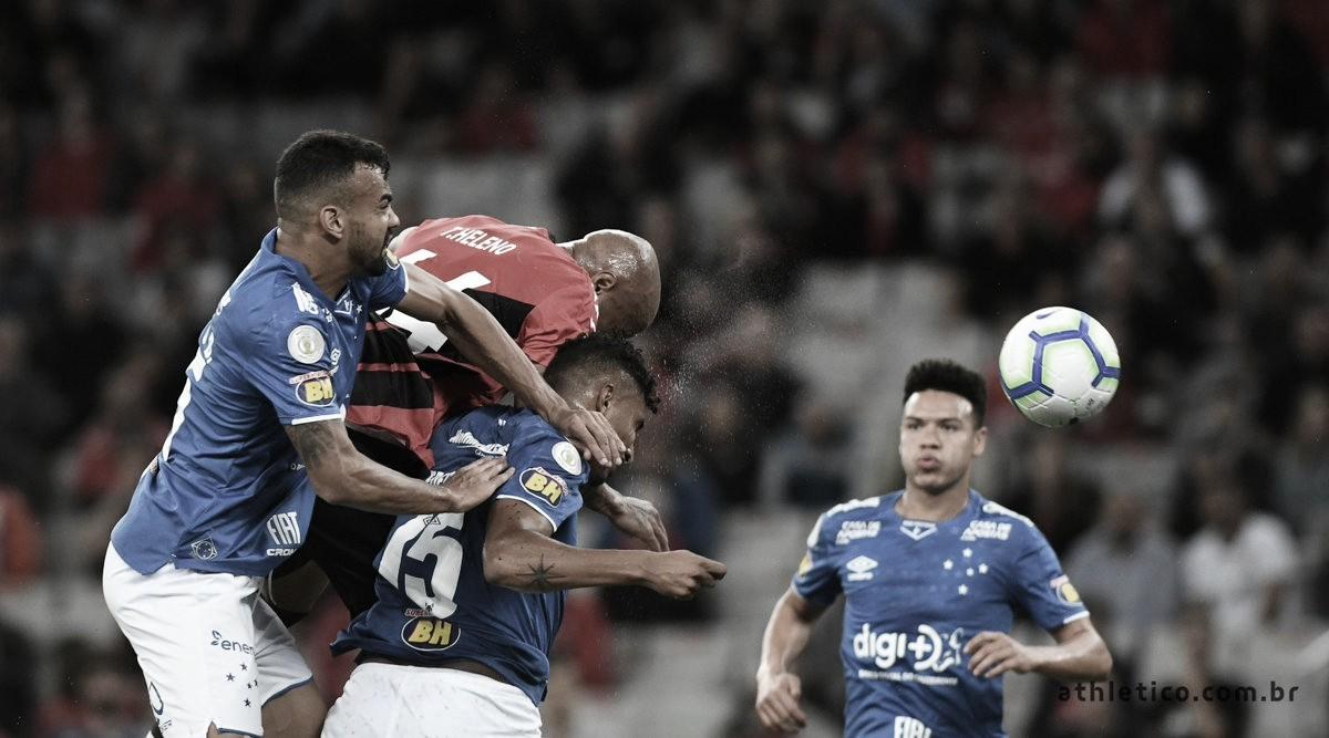 Athletico-PR sufoca, mas fica no empate com Cruzeiro em noite de Fábio