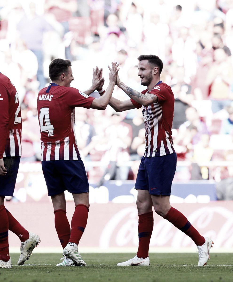 Santiago Arias con la camiseta del Atlético de Madrid / Twitter: Saúl Ñíguez