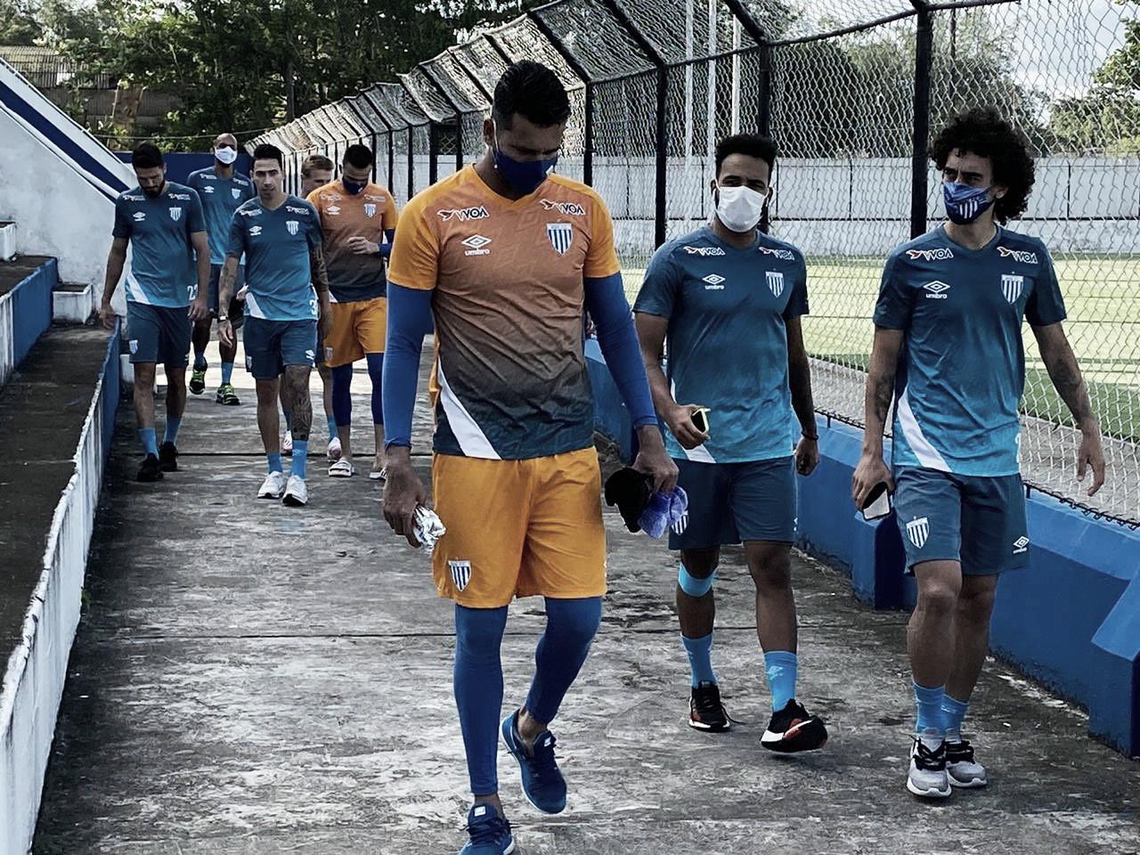 Sem artilheiros, CRB e Avaí testam boa fase pelo Brasileirão