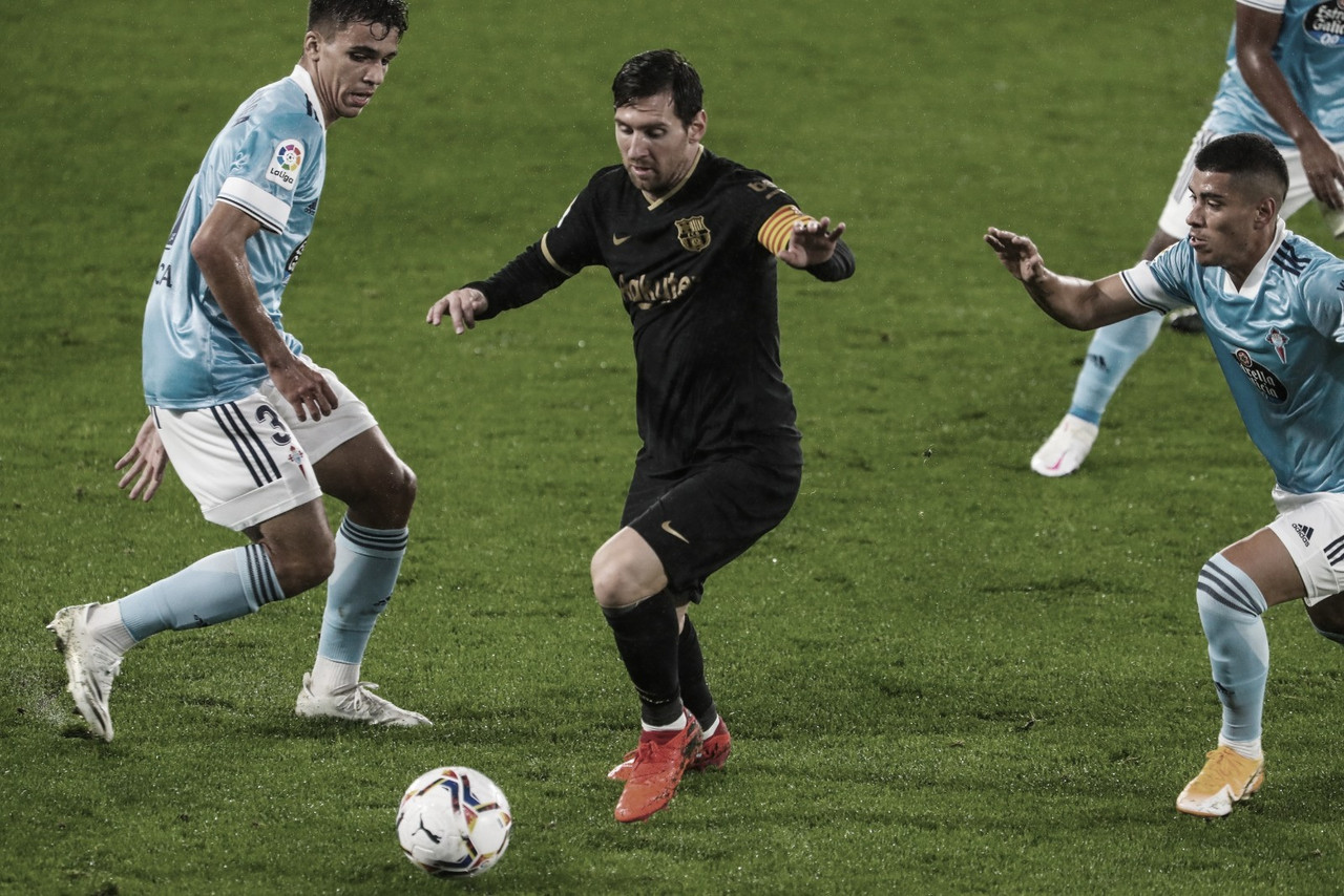 Messi ante Olaza y Veiga. | Foto: FC Barcelona