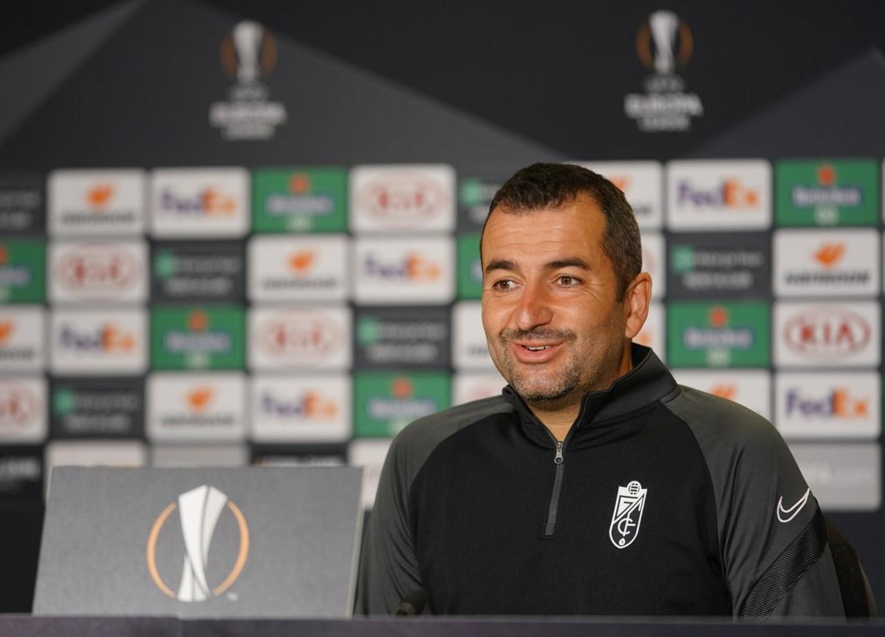 Diego Martínez en rueda de prensa | Foto: Granada CF
