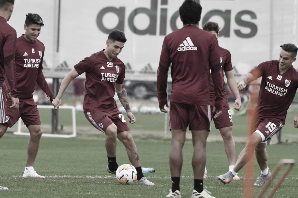 Los muchachos en el entrenamiento donde se observa a Gonzalo Montiel, el lateral derecho que jugó los dos partidos con la Selección Argentina. FOTO: PRENSA River Plate.