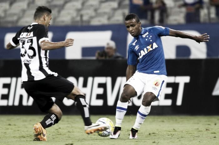 Elber marca golaço, homenageia filho e aponta defeitos da equipe durante partida contra Figueirense