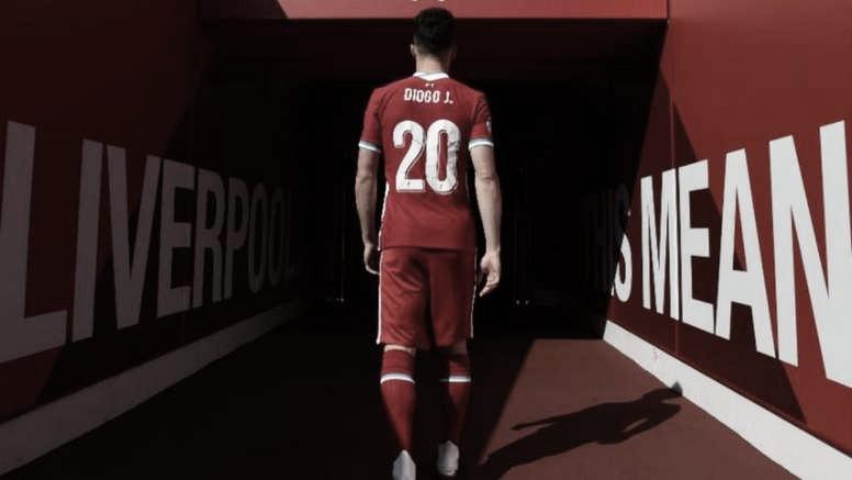 Diogo Jota en su presentación con el Liverpool. Vía: Liverpool FC