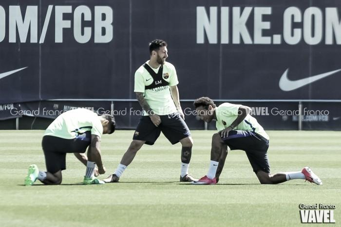 El penúltimo entrenamiento del Barça antes de la f ...