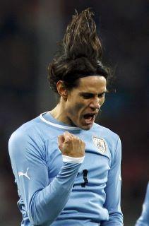 Uruguay empató 1 a 1 con Rumania y batió récord de partidos sin perder