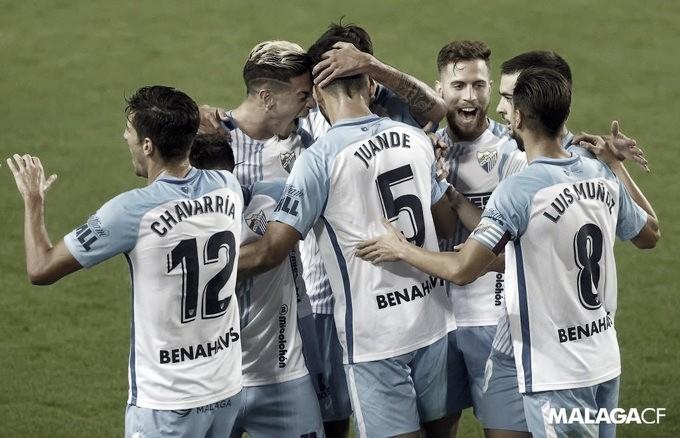 Jugadores del Málaga CF celebrando el gol de Juande./ Foto: Málaga CF