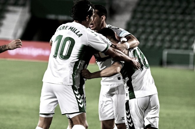 Los jugadores ilicitanos celebran el gol de Fidel Chaves // Foto: Elche C.F.