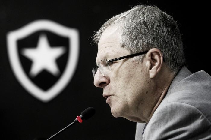 """Presidente do Botafogo sugere torcida única e nega Maracanã: """"Seria perder dinheiro"""""""