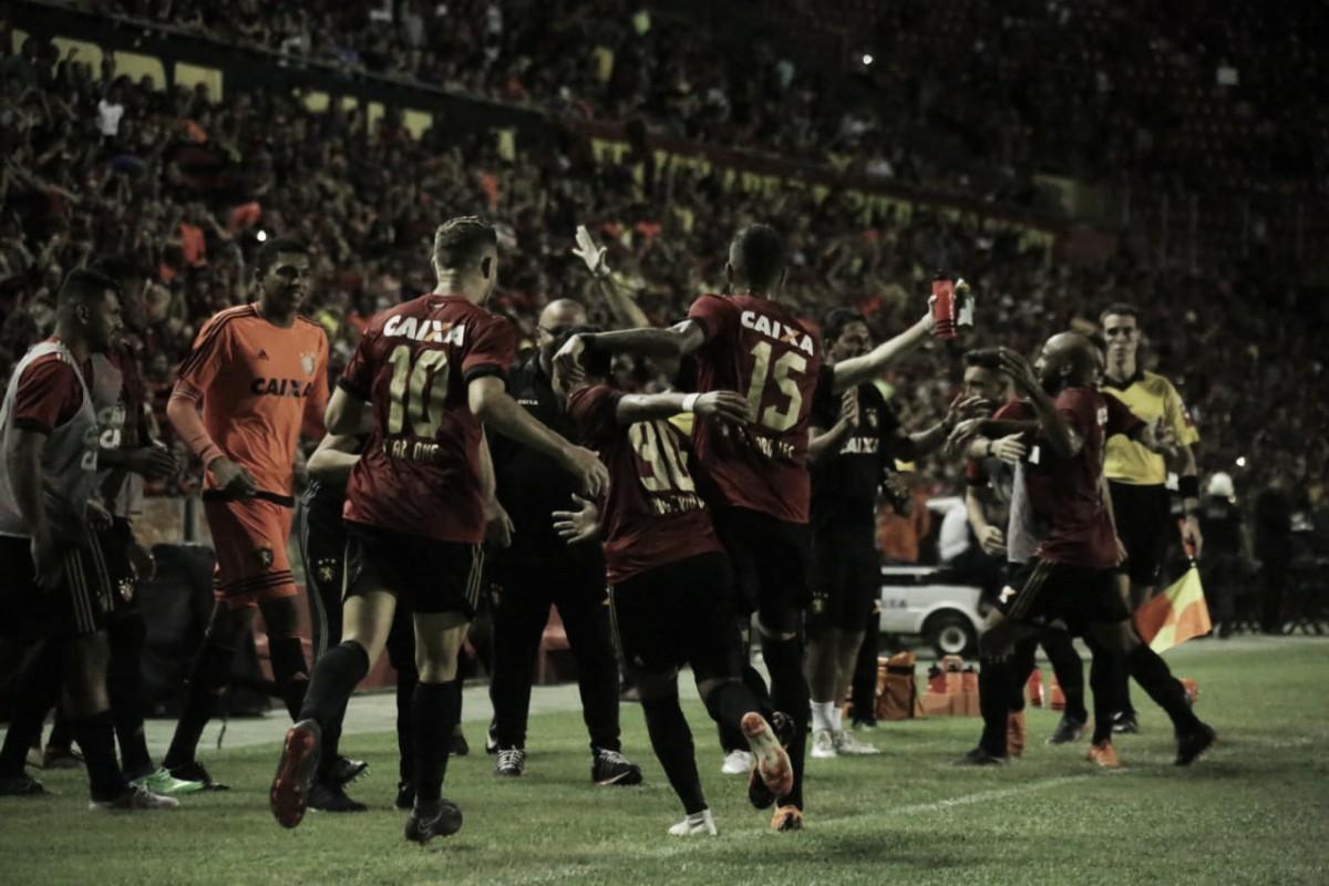 Jogadores do Sport celebram vitória sobre Paraná e fim de jejum no Brasileirão