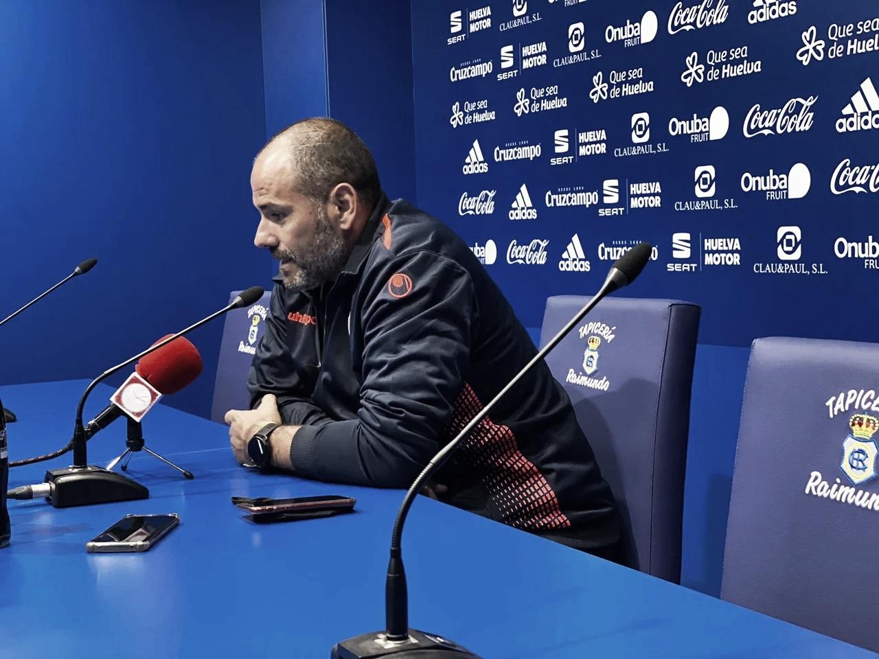 Salva Ballesta dando la rueda de prensa postpartido | Fuente: Twitter Algeciras CF