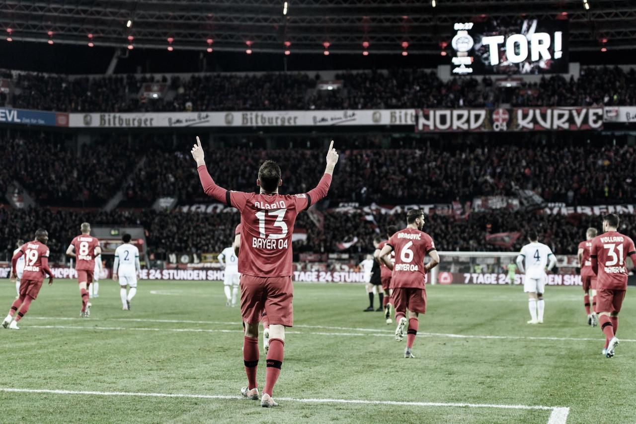 Com dois de Alario, Leverkusen vence Schalke 04 ealcança o sexto lugar da Bundesliga