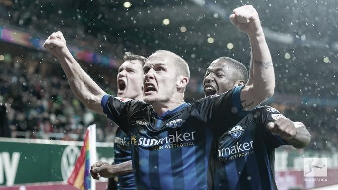 Paderborn derrota Werder Bremen em confronto direto e sai da lanterna